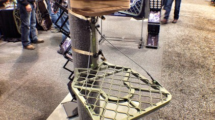2014 ATA Show: Lone Wolf Alpha Tech F1 Treestand